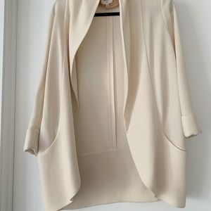 Wilfred Aritzia Cream Crepe Blazer - Size 2 /Small